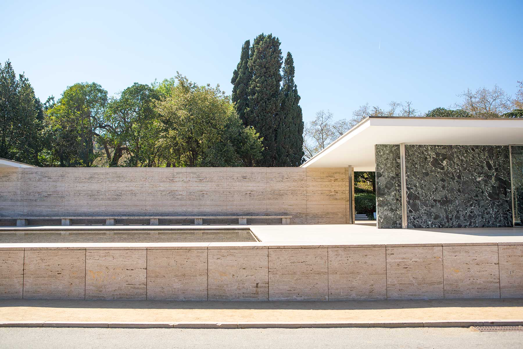 Photos Of The Barcelona Pavilion By Mies Rohe