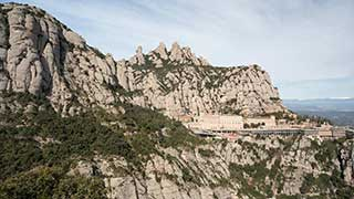 Montserrat & Cava Tour from the port