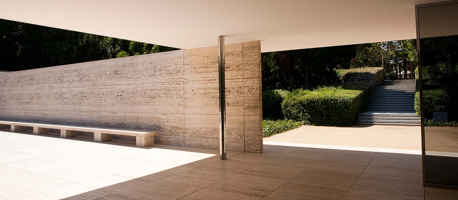 photos of the barcelona pavilion by mies rohe. Black Bedroom Furniture Sets. Home Design Ideas